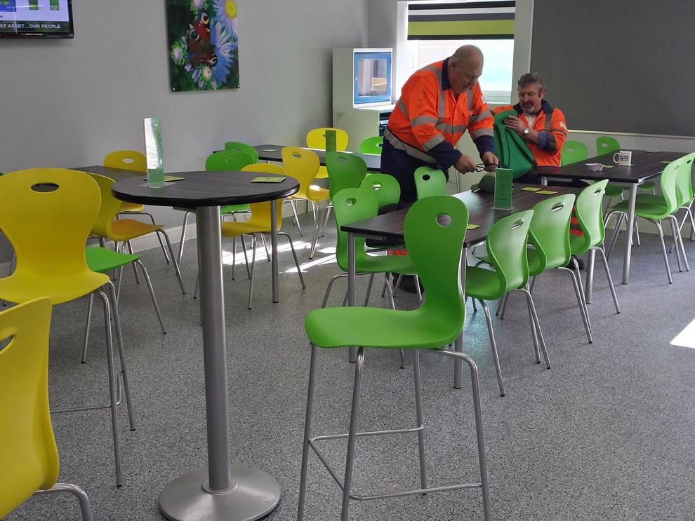 industrial resin flooring characteristics with decorative quartz in a canteen