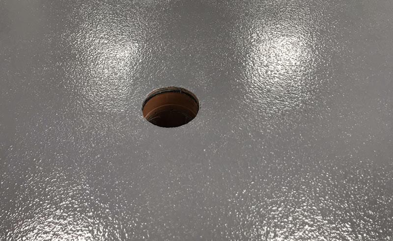 installing a heavy duty polyurethane screed type 8 in steel grey
