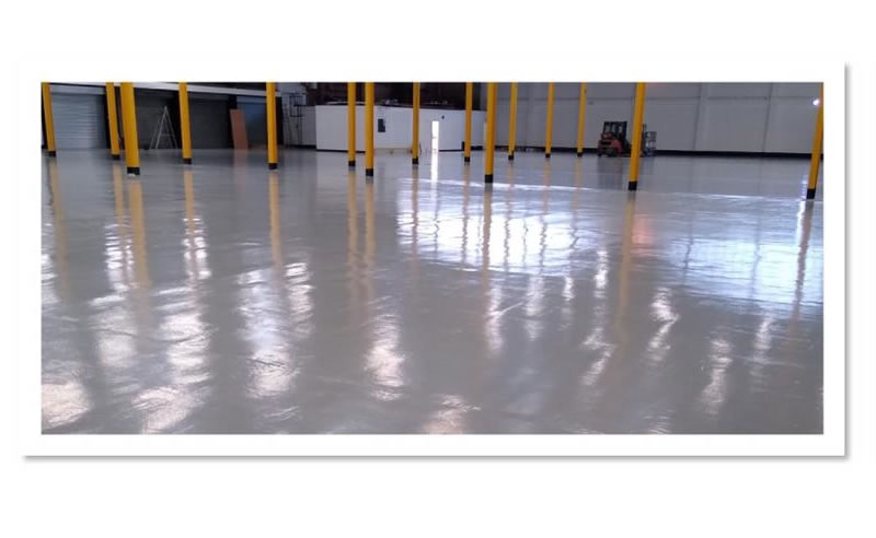 completed floor at huddersfield university railway research building