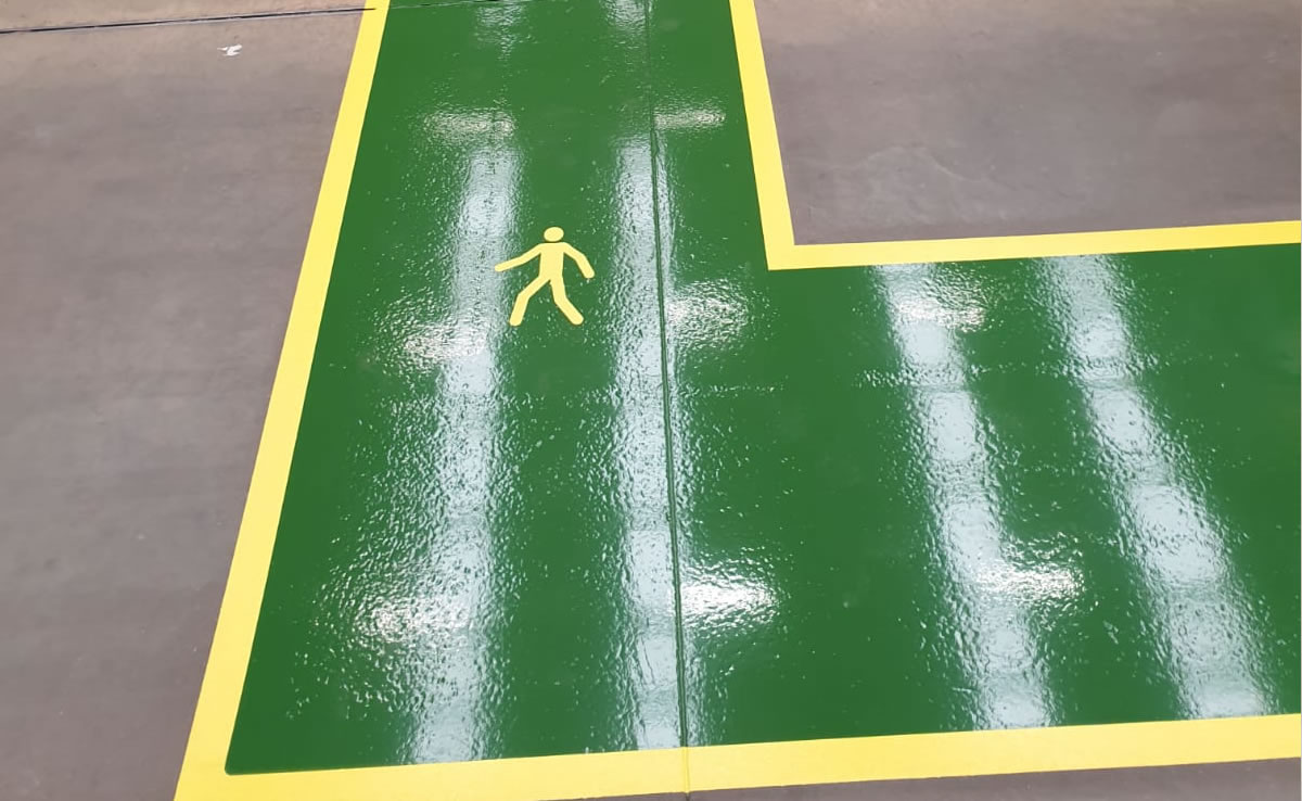 green resin walkway for pedestrains