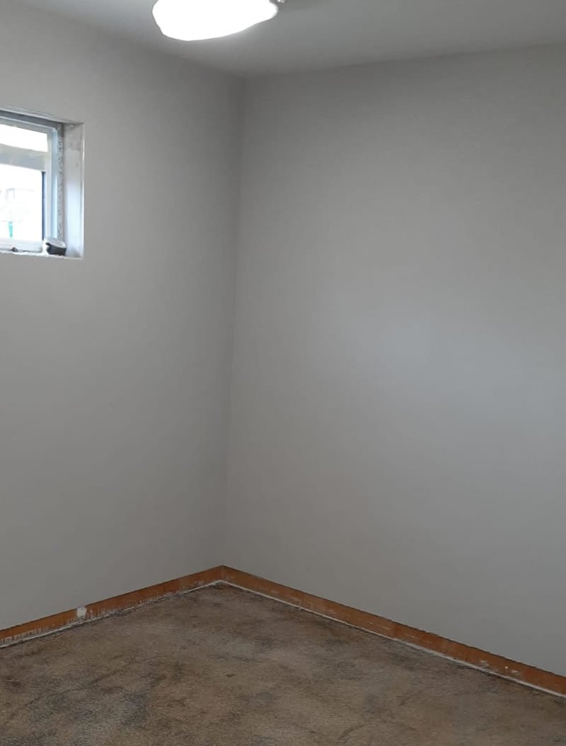 corner of a room with altro screed 3mm on the walls